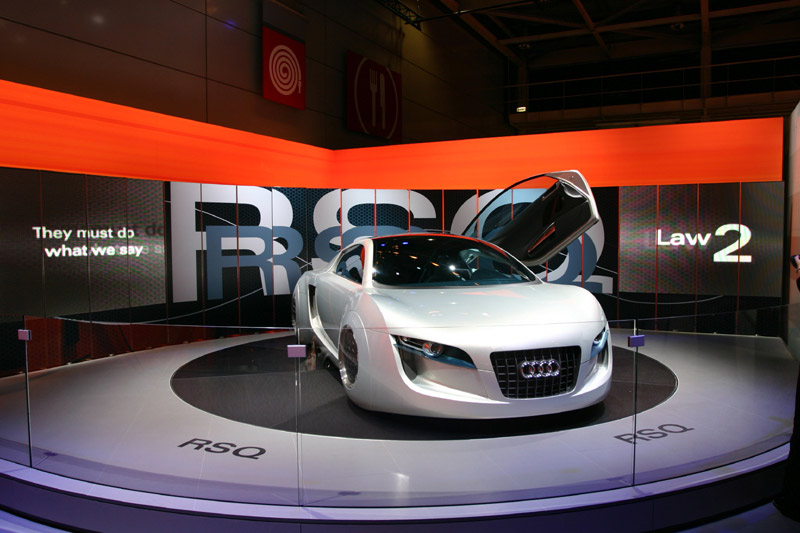 Barcos Creative Visualization Solutions Add Glamour To Paris Car - Car display