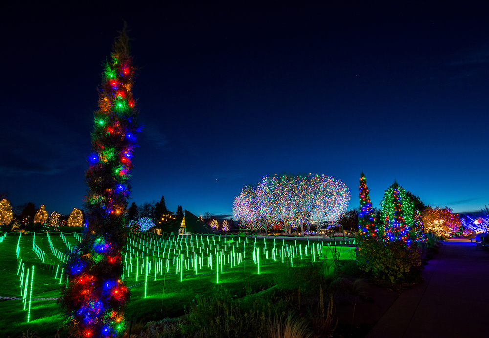 Denver botanic gardens treat visitors to spectacular projection mapping events barco for Denver botanic gardens concerts 2017